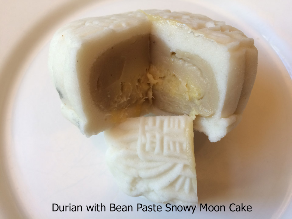 durian-with-bean-paste-snowy-moon-cake